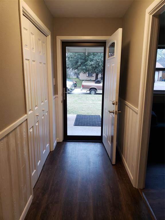 1213 Park Center Street, Benbrook, TX 76126 (MLS #14275290) :: Potts Realty Group