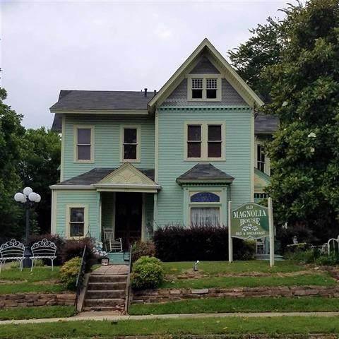 731 Clarksville Street - Photo 1