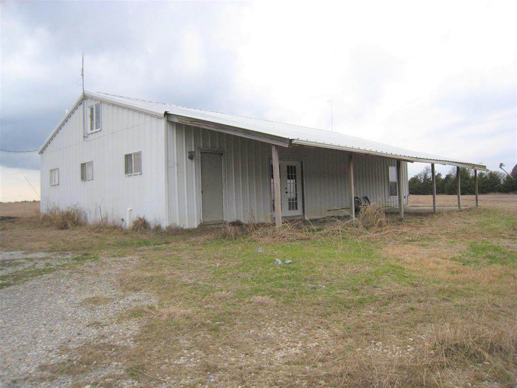 7292 County Road 1048 - Photo 1