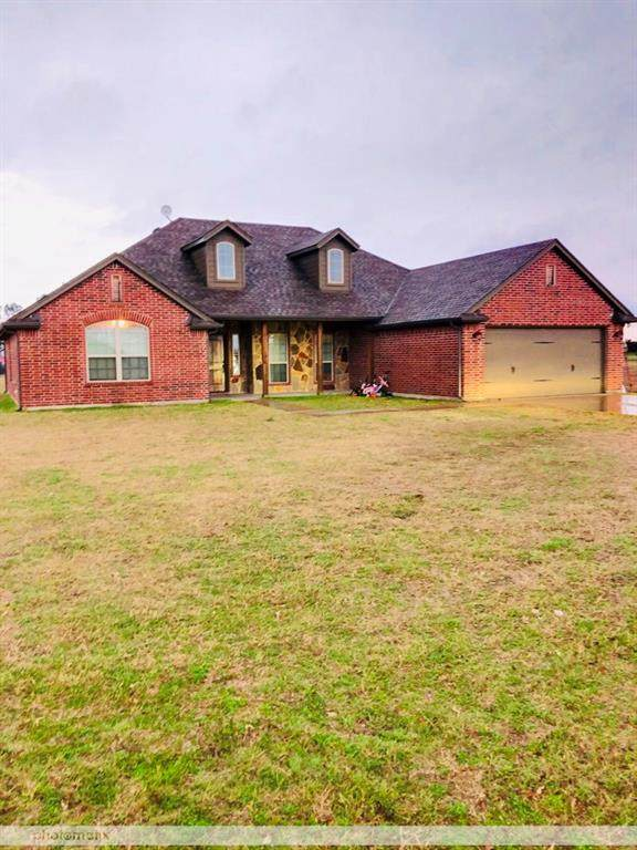 130 Savannah Drive, Weatherford, TX 76087 (MLS #14279683) :: The Kimberly Davis Group