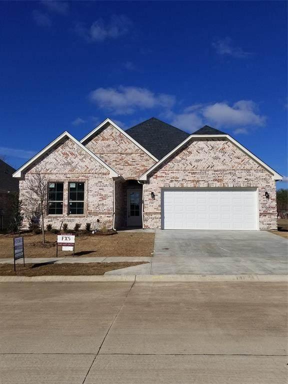 205 Windy Glen Drive, Decatur, TX 76234 (MLS #14280626) :: The Kimberly Davis Group