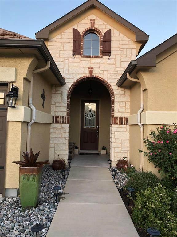 9909 Orangewood Trail, Denton, TX 76207 (MLS #14283158) :: The Real Estate Station
