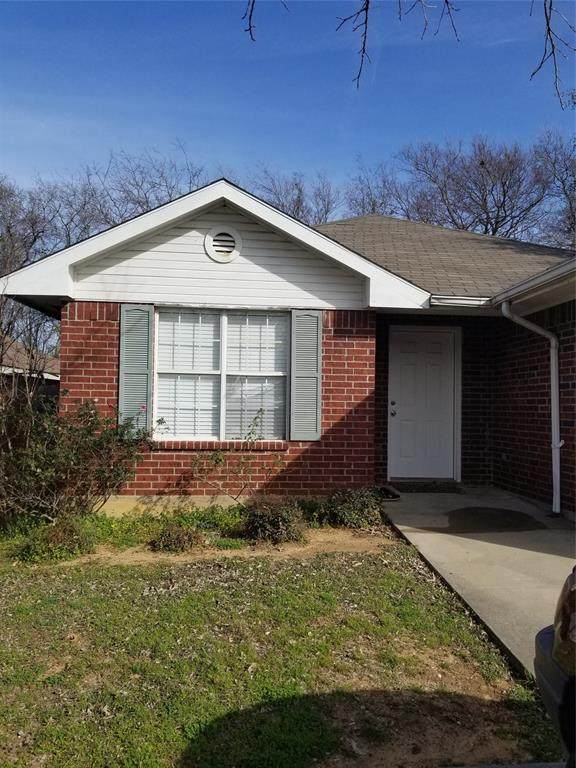1217 Paco Trail, Denton, TX 76209 (MLS #14283459) :: Ann Carr Real Estate