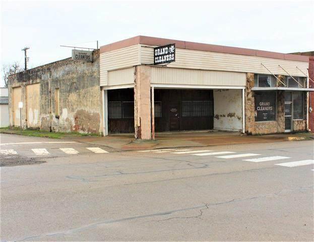 205 Grand Avenue, Paris, TX 75460 (MLS #14285650) :: The Kimberly Davis Group