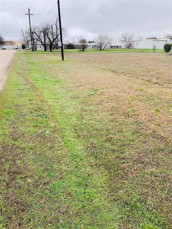 3302 Balomede Avenue, Lancaster, TX 75134 (MLS #14286037) :: Baldree Home Team