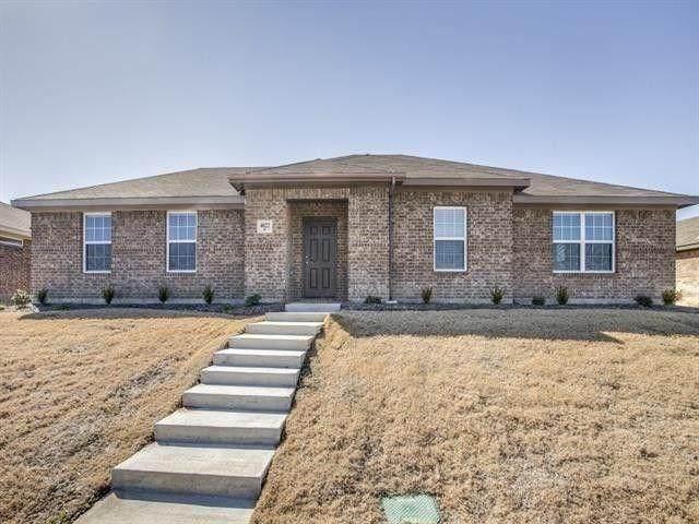 4022 Meadow Canyon Drive, Lancaster, TX 75146 (MLS #14286608) :: The Paula Jones Team   RE/MAX of Abilene