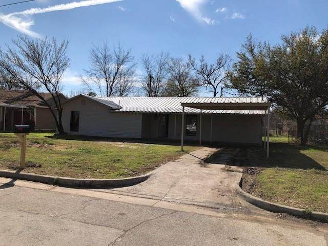 1304 20th Street, Mineral Wells, TX 76067 (MLS #14286855) :: Real Estate By Design