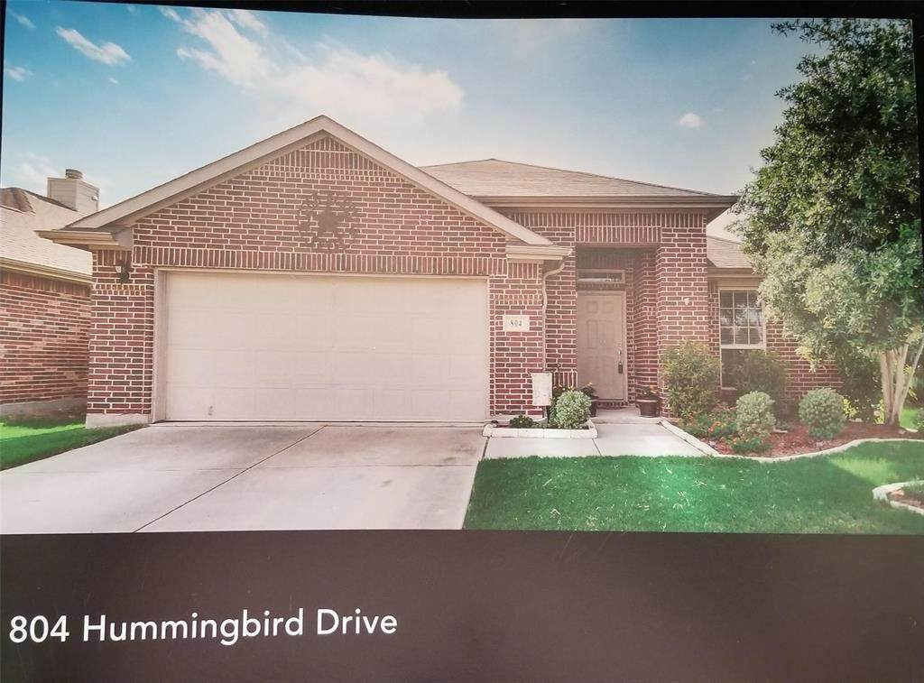 804 Hummingbird Drive - Photo 1