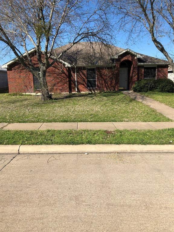 1731 Reynolds Street, Lancaster, TX 75134 (MLS #14290597) :: The Mauelshagen Group