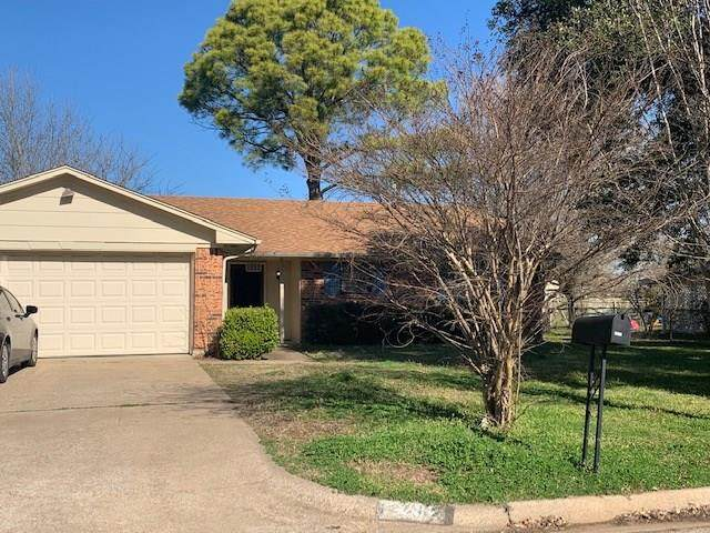 1202 Bradley Drive, Cleburne, TX 76033 (MLS #14292005) :: Justin Bassett Realty