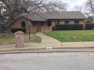 912 N Young Boulevard, Desoto, TX 75115 (MLS #14292045) :: Century 21 Judge Fite Company