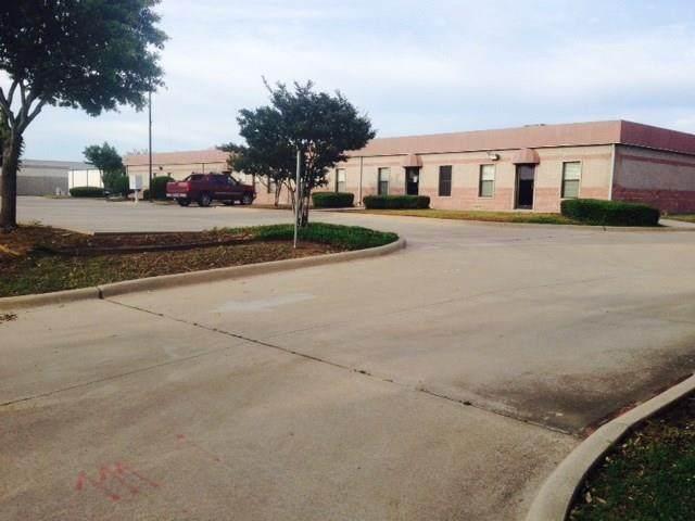 1624 Falcon Drive, Desoto, TX 75115 (MLS #14297741) :: All Cities USA Realty