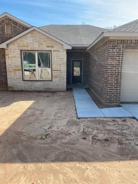 4905 Moss Rock, Granbury, TX 76048 (MLS #14299162) :: Century 21 Judge Fite Company