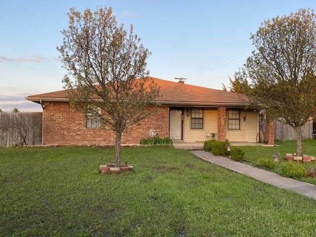 321 Lipscomb Street, Cleburne, TX 76031 (MLS #14299184) :: The Kimberly Davis Group
