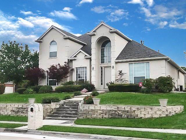 9001 Ranch Bluff Court, Benbrook, TX 76126 (MLS #14305191) :: Potts Realty Group