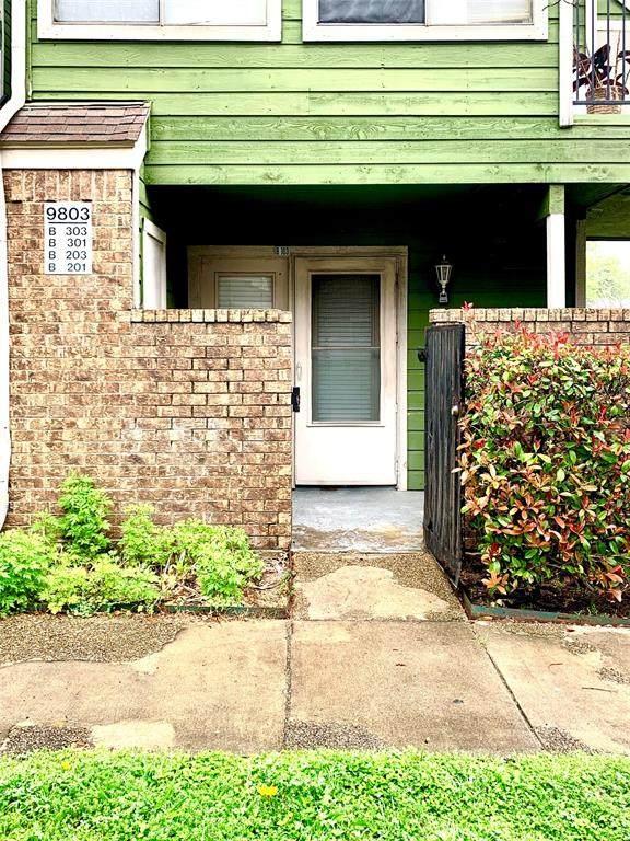 9803 Walnut Street #103, Dallas, TX 75243 (MLS #14306313) :: The Mitchell Group