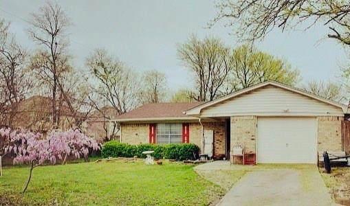 805 8th Street, Princeton, TX 75407 (MLS #14314336) :: The Chad Smith Team