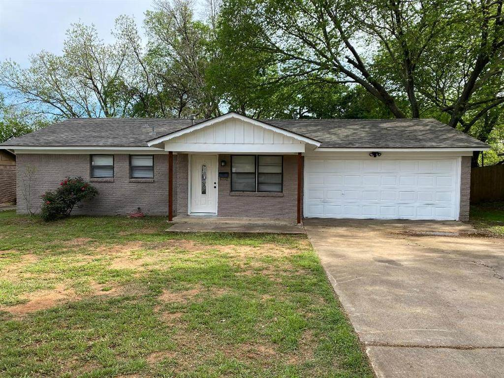 305 Reaves Court - Photo 1