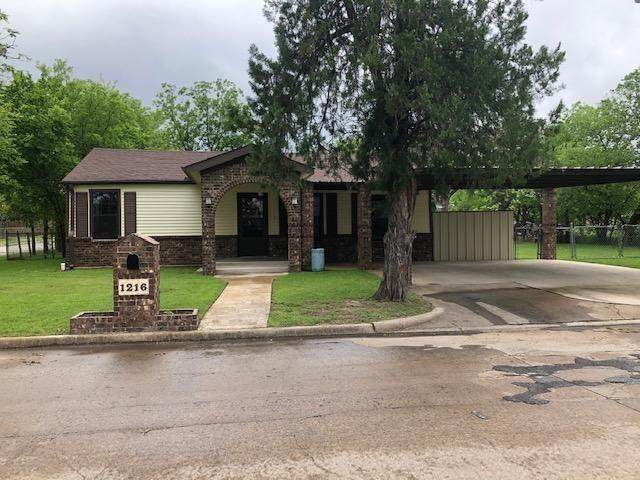 1216 SE 16th Street, Mineral Wells, TX 76067 (MLS #14315482) :: Ann Carr Real Estate