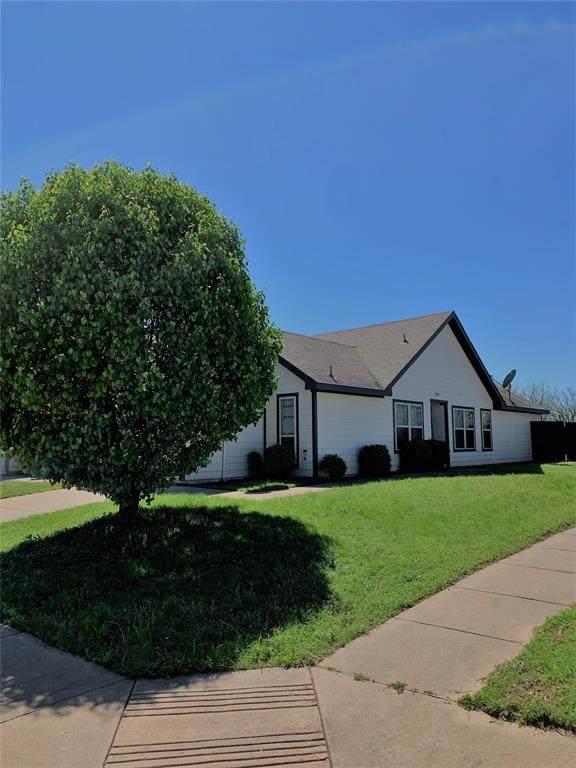 10600 Many Oaks Drive, Fort Worth, TX 76140 (MLS #14316477) :: The Tierny Jordan Network