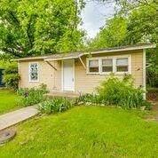 214 S Thrash Street, Granbury, TX 76048 (MLS #14319908) :: Bray Real Estate Group