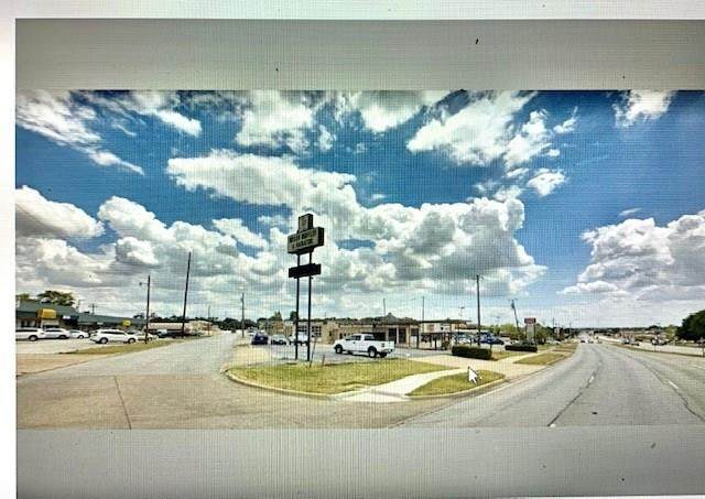 301 Euless Boulevard - Photo 1
