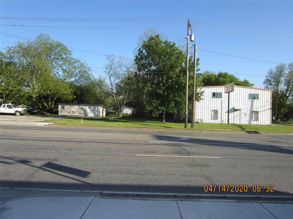 1202 Henderson Street - Photo 1