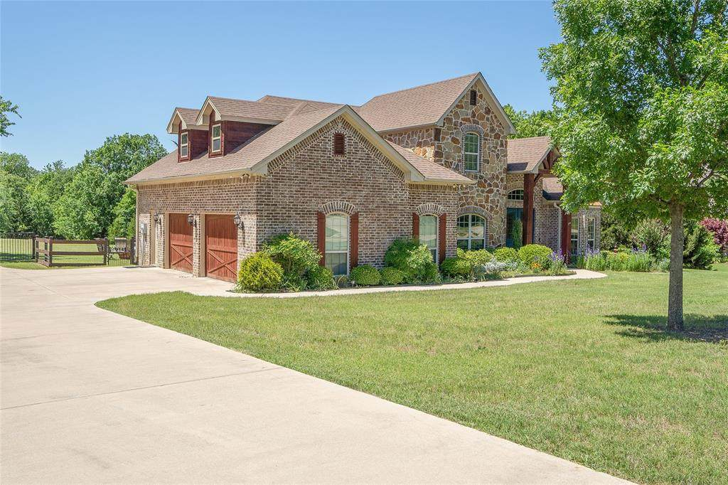 8208 Oak Creek Lane - Photo 1