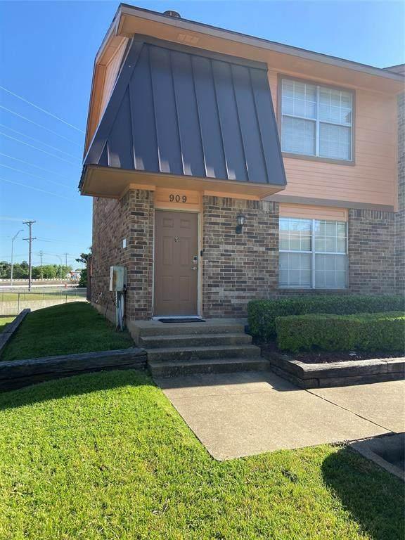 909 Cedar Terrace, Cedar Hill, TX 75104 (MLS #14332519) :: Century 21 Judge Fite Company