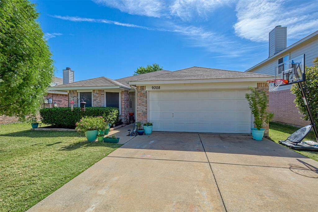 9308 Goldenview Drive - Photo 1