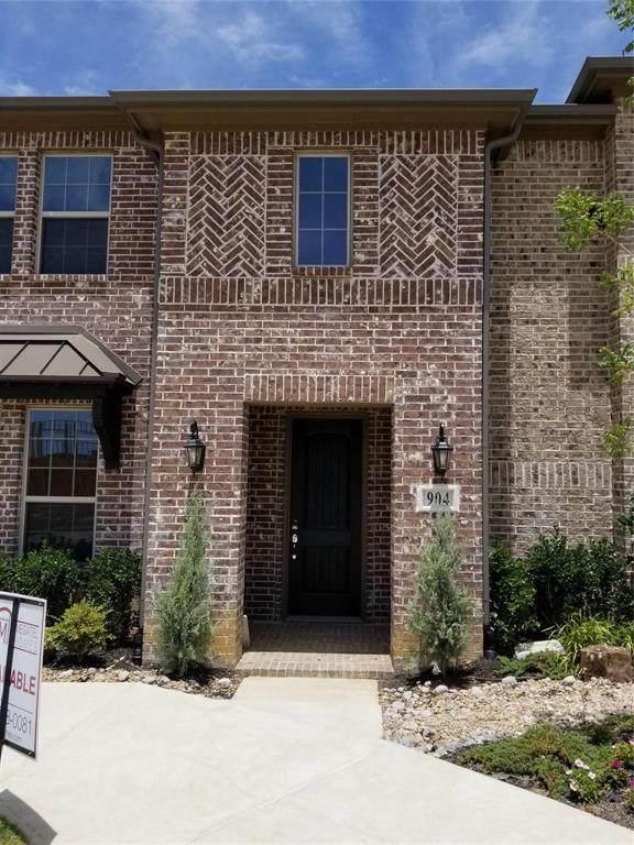 904 Estelle Avenue, Euless, TX 76040 (MLS #14333954) :: The Kimberly Davis Group