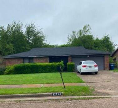 2741 E Pepperidge Drive, Lancaster, TX 75134 (MLS #14334704) :: Baldree Home Team