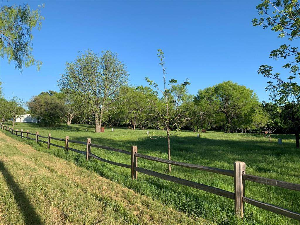 441 County Rd 433 - Photo 1