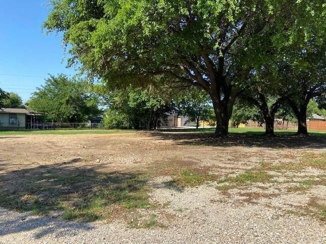 104 Hackberry Lane, Roanoke, TX 76262 (MLS #14344388) :: The Kimberly Davis Group