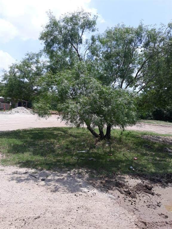 1425 Minden Street, Fort Worth, TX 76115 (MLS #14345021) :: Trinity Premier Properties