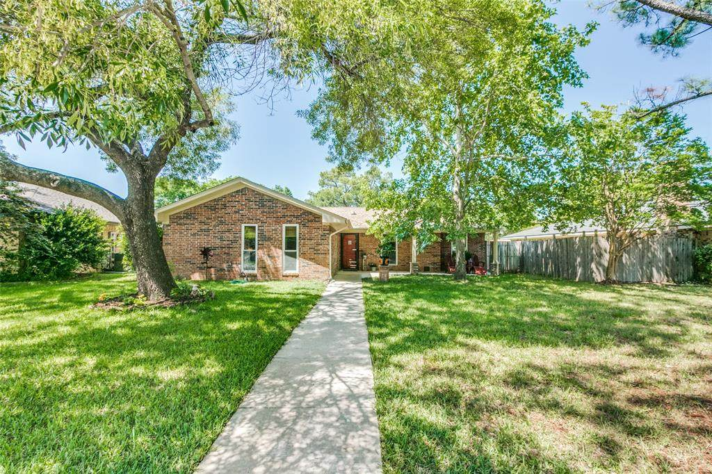 1661 Chisolm Trail - Photo 1