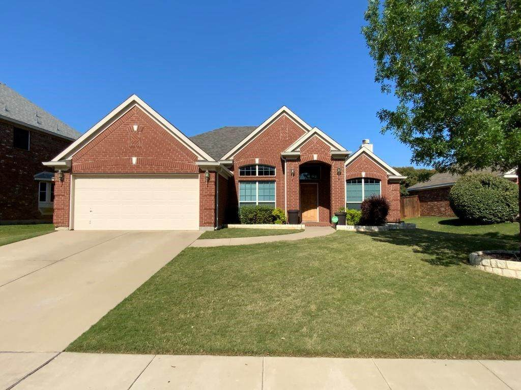 821 Mesquite Drive - Photo 1