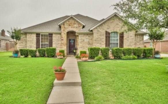 1620 Hawthorne Street, Cleburne, TX 76033 (MLS #14348257) :: Potts Realty Group