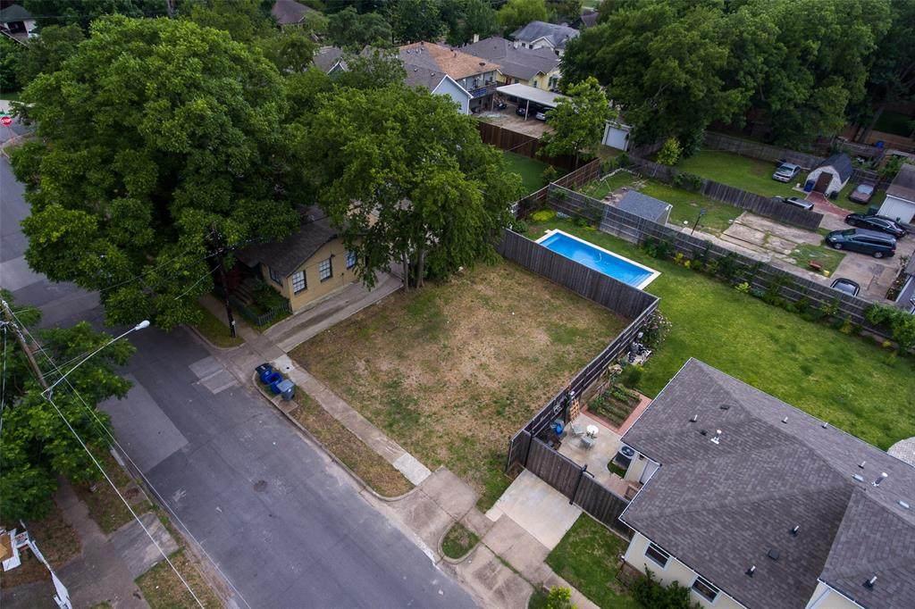 413 Prairie Avenue - Photo 1