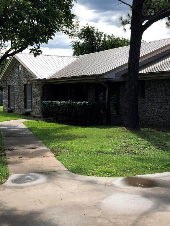1380 Shattles Road, Mineral Wells, TX 76067 (MLS #14351535) :: Real Estate By Design