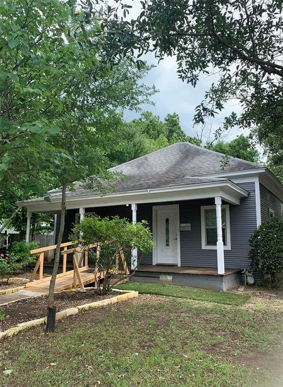 1416 Wells Avenue E, Sherman, TX 75090 (MLS #14352542) :: Real Estate By Design