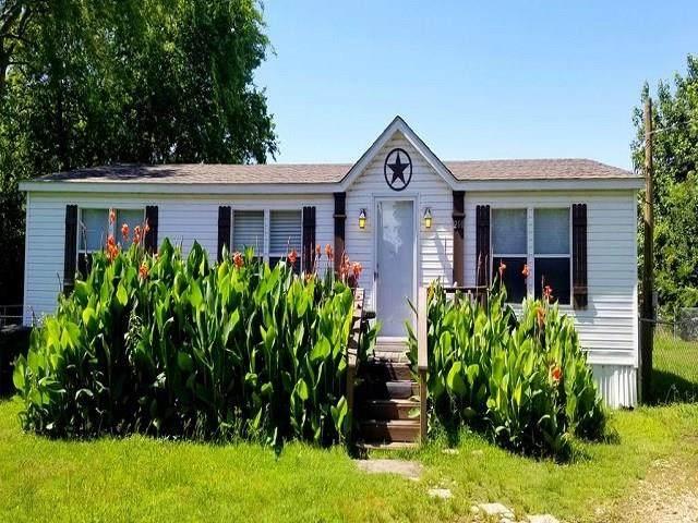 210 E Shadowwood Street, Gun Barrel City, TX 75156 (MLS #14353743) :: The Rhodes Team