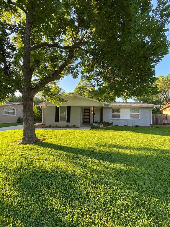 722 Silverstone Drive, Richardson, TX 75080 (MLS #14354032) :: Robbins Real Estate Group