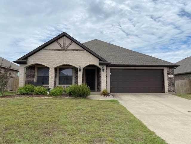 33 S Highland Drive, Sanger, TX 76266 (MLS #14354056) :: Trinity Premier Properties