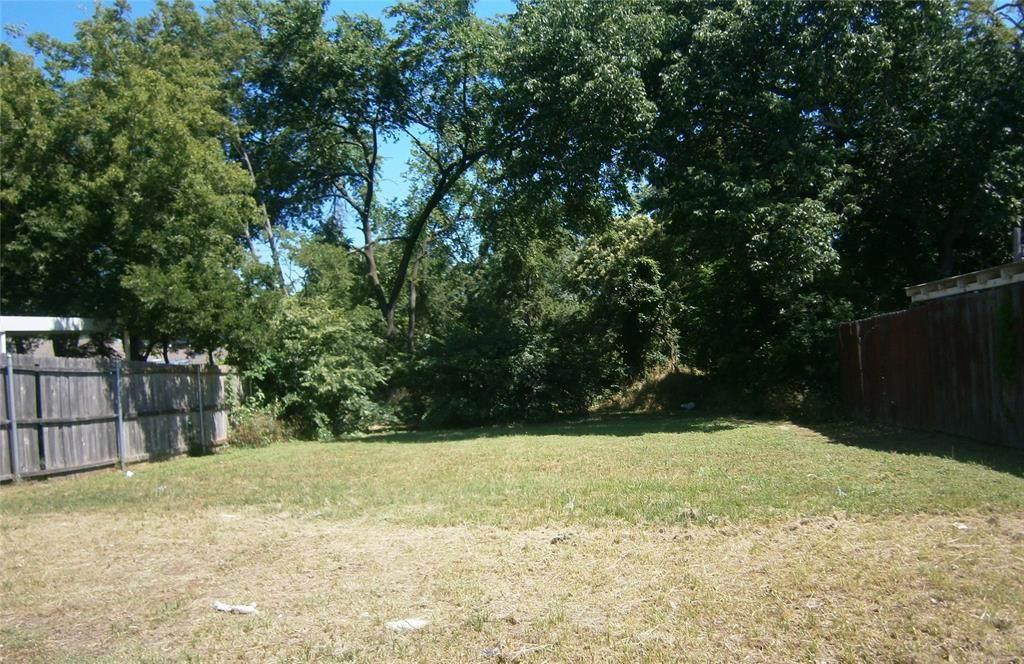 4201 Clarendon Drive - Photo 1