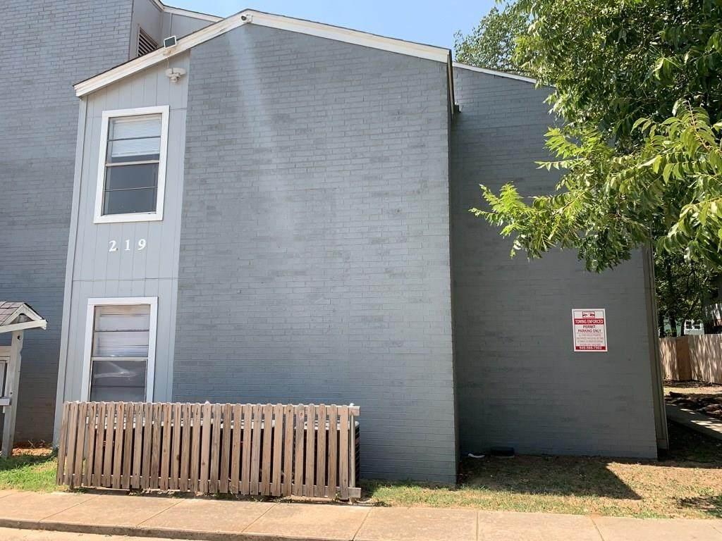 219 Fry Street - Photo 1