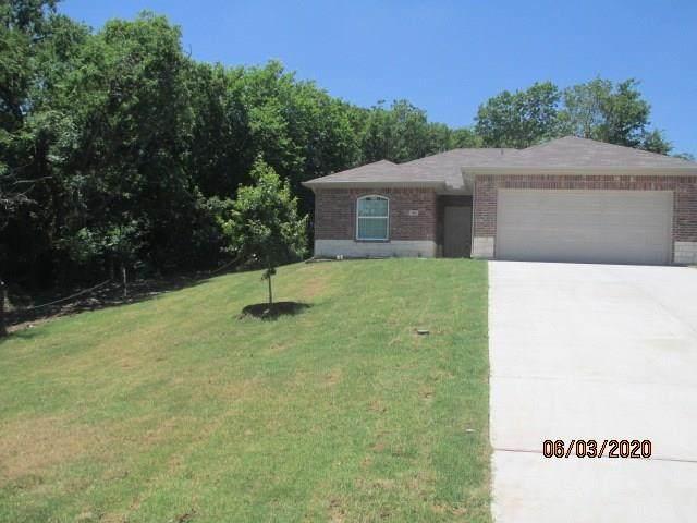 1801 Avenue D, Grand Prairie, TX 75051 (MLS #14357816) :: The Chad Smith Team