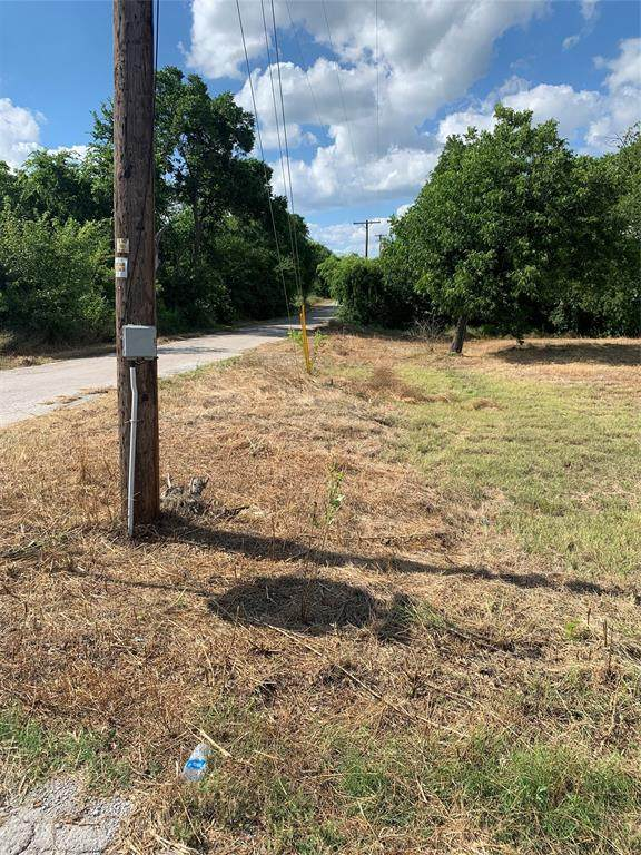 800 N Cates Street, Decatur, TX 76234 (MLS #14357894) :: The Mauelshagen Group