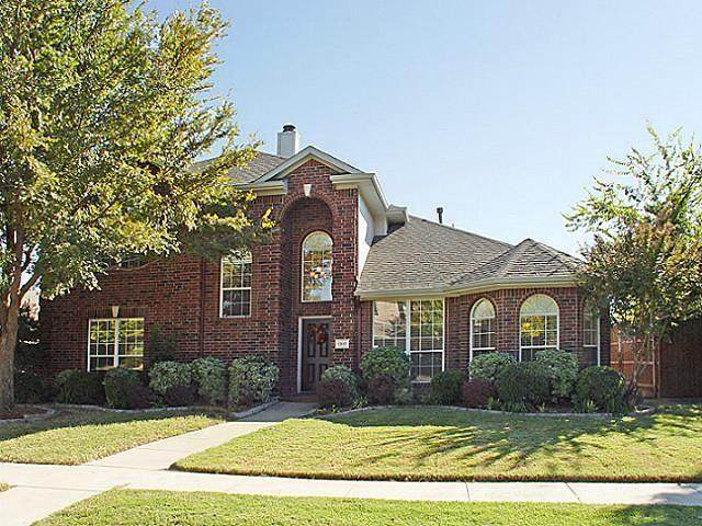 1317 Woodmoor Drive, Allen, TX 75013 (MLS #14357966) :: Tenesha Lusk Realty Group