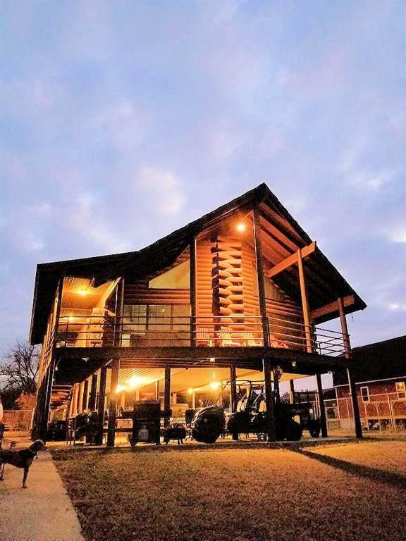 811 River View Road, Millsap, TX 76066 (MLS #14358636) :: Ann Carr Real Estate